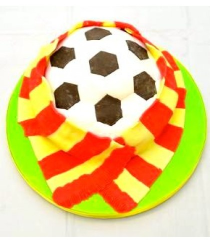 'Football and scarf' cake