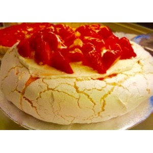 Pavlova (Strawberry /Tropical Fruit/ Cherry)